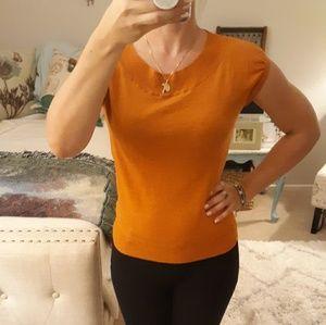 Tops - 🖐3/$15🖐 Orange cap sleeve sweater top